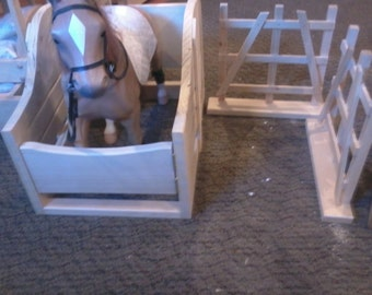 "18"" doll sized horse stable w/fence sections"