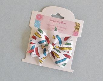 """Medium 2 1/2"""" Pinwheel Bow -  Crayons on White (1200)"""