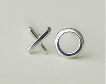 925 Sterling Silver X O Silver Stud Earrings S71