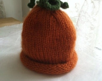 Fuzzy pumpkin hat with curly top to fit 0-6 month infants