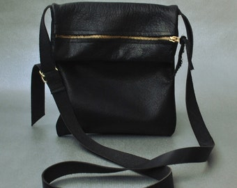 Lucy - black leather bag