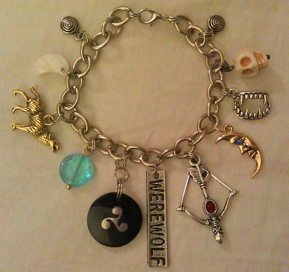 Wolf Charm Bracelet: 301 Moved Permanently