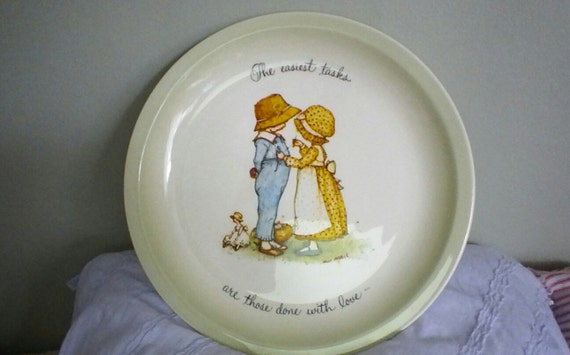Holly Hobbie 11 inch Collector plate The easiest tasks are those done with love American Greetings 1972
