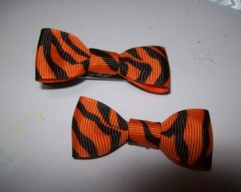 Tiger Stripes Mini Bow Tie Bows