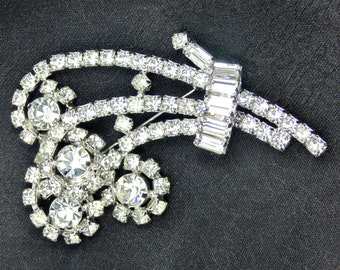 Vintage Flourish Brooch with Clear Crystal Chatons and Baguettes
