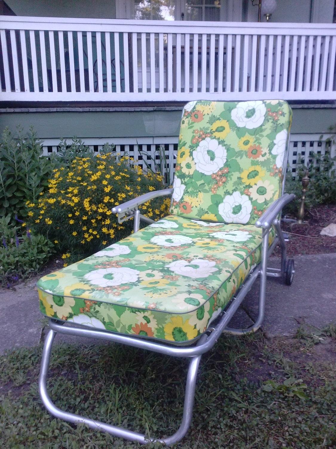 Hold vintage mid century aluminum chaise lounge by for Aluminum outdoor chaise lounge