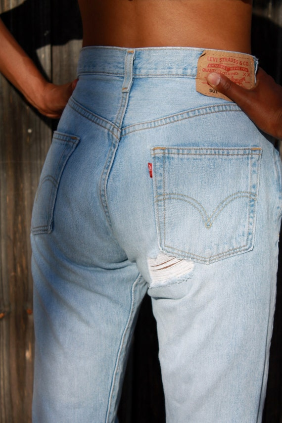 how to find the right size of jeans for men