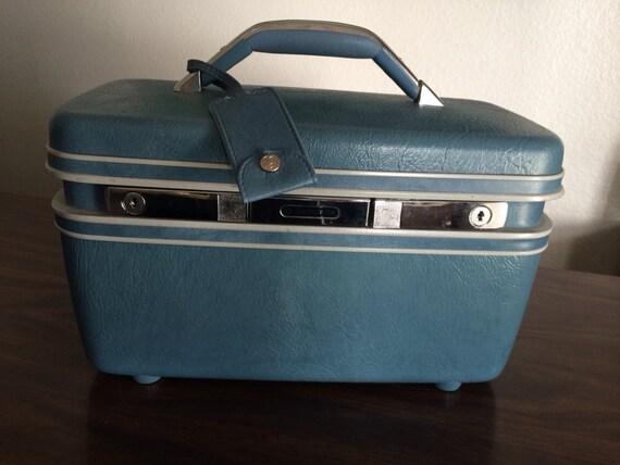 vintage samsonite train case cosmetic case blue. Black Bedroom Furniture Sets. Home Design Ideas