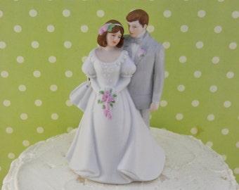 Vintage Bride and Groom Topper / Wedding / Retro / Decoration / Anniversary / Cake