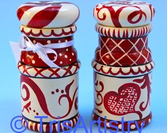 Hand Painted ~ Hardwood ~ Red & White ~ Salt and Pepper ~ Shakers ~ Heart ~ Salt and Pepper Shakers ~ Kitchen Decor ~ Red Kitchen Decor ~
