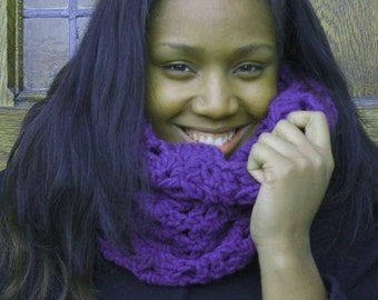 Mirror Lace Chunky Bulky Crochet Cowl / Scarf in Eggplant