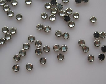 100pcs Cute 4mm Clear Rhinestone with Silver Outside Decoration Nail Art decoration OD-102