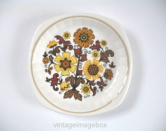 Palissy Royal Worcester dish, sunflowers design, vintage pottery, 1970s tableware, small size ceramic plate