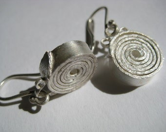 Fine silver spiral earrings