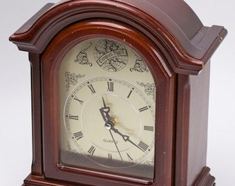 Vintage Tempus Fugit Quartz Clock