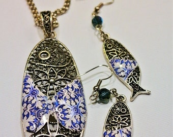 "Set, necklace and earrings, with typical fish from Portugal ""Sardinha"" and Portuguese  tile replica."