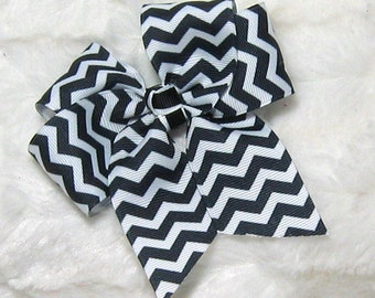 Black and White Chevron Patern Girls 4 inch Single Hair Bow with Black and White Center Tie