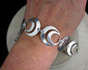 Vintage Sterling Silver Circle Designed Bracelet