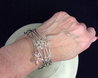 VintageWide Floral Wire Bracelet