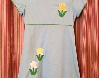 Gorgeous Vintage Jandi Classics shift dress with daffodil detail and Peter Pan collar