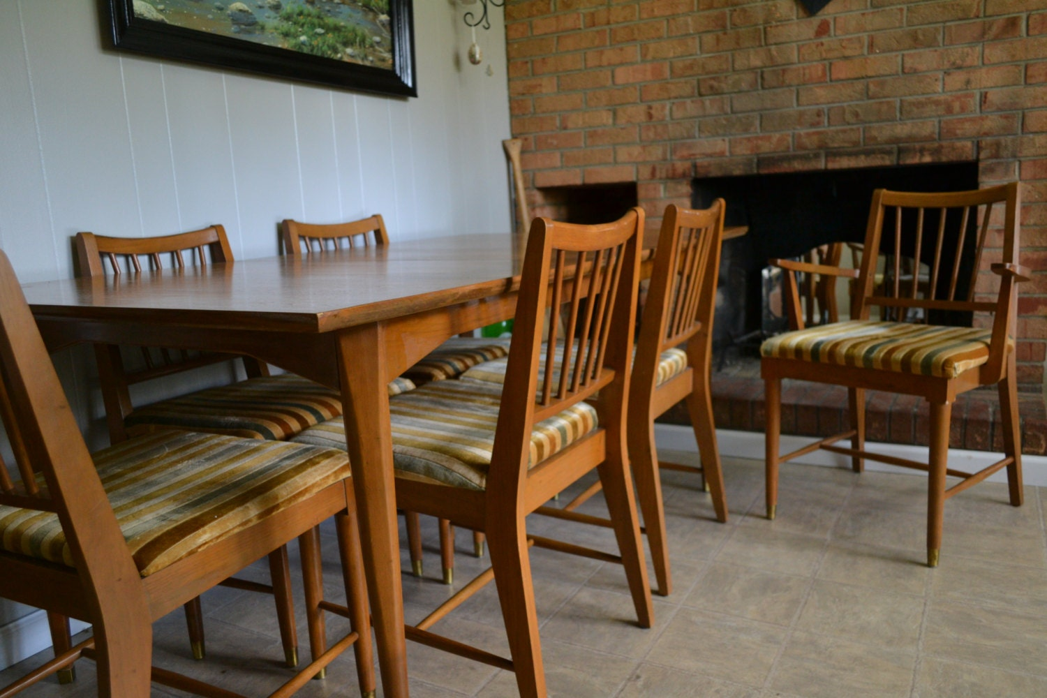 Dining set table hutch 6 chairs kroehler for Dining table and hutch set