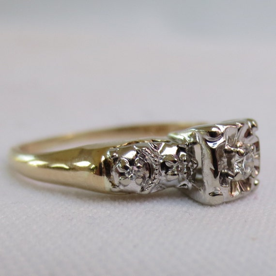 1940s engagement ring in white and yellow gold