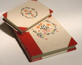 Half leather desk set for ladies, boxes for storing papers, 2-piece box set, book-shaped box, red goatskin, canvas with folk floral motif