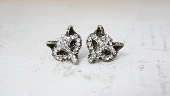 20% off Sale! Stud Earrings, Arctic Fox face rhinestone post earrings: No E380