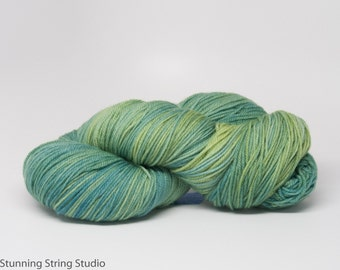 Reflecting Pool INTENSE - Luxury Fingering Weight - Merino/Cashmere - 100 g - 425 yds