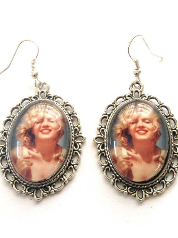 marilyn earrings marilyn earrings by elegantdivadesigns on etsy 8794