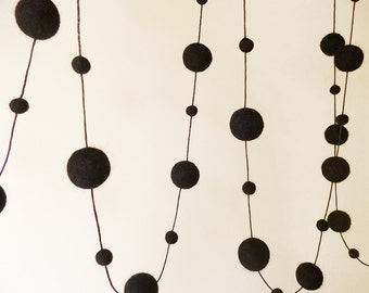 Black Felt Ball Garland, Black Bunting, Black Party Decor, Halloween Pompom Garland, Black Nursery Bunting, Minimalist Black, Goth Gift