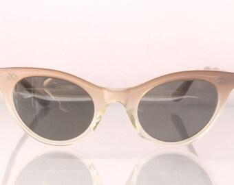 1950s cat eye sunglasses, star rivets, xs size, The Fading Star