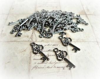 6 Gun Metal Key Charms Ornate Steampunk