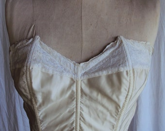 Beautiful vintage cream satin and lace corset top with boning Dandy Bra by Lady Marlene size 38 approx 14b-c