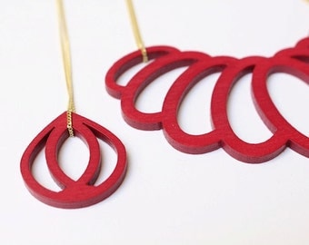 statement necklace, geometrical pendant, wood pendant, berry necklace, laser cutted, pink drop, gold plated silver chain
