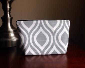 Makeup, cosmetic bag, zipper pouch, clutch - grey geometric scallops
