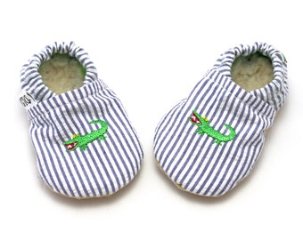 Baby booties, cloth baby shoes, fabric baby shoes, baby slippers, newborn shoes, baby boy shoes, soft sole moccs, alligator booties