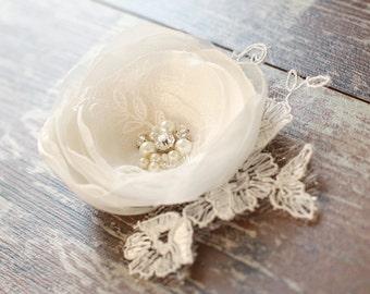 Wedding headpiece, Ivory hair flower, Wedding bridal hair accessories, flower hair clip, fascinator, vintage rustic ivory, pearl