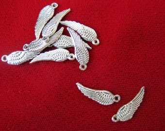 """10pc """"Angel wings"""" charms in antique silver style(BC63)"""