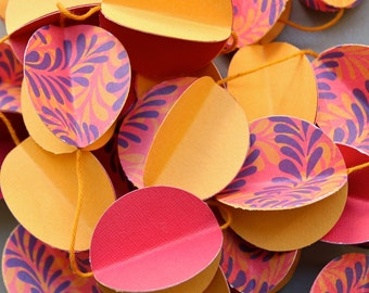 3D Paper Garland psychedelic pattern