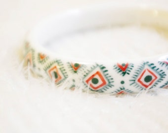 Ceramic porcelain jewellery,Handdrawn green and red pattern porcelain bangle,birthday gift, graduation gift,unique unusual Christmas gift
