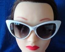 Vintage Retro White Cat Eye Sunglasses