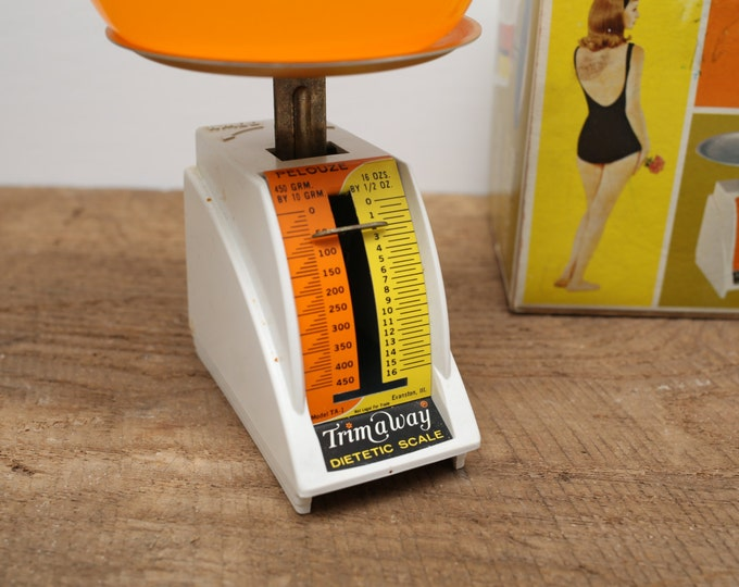 1960's Vintage Pelouze Trim-a-Way Diet Scale Kit / Weight Loss Gag Gift / Food and Drink Calculator / Funny Prank