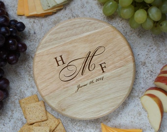 "Design's Personalized Wedding Cutting Board with Couple's Monogram Design Options and Font Selection (Each - 7"" Diameter)"