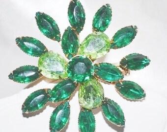 Emerald Green Swirling Flower Brooch