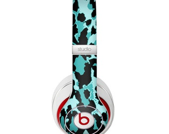 The Vector Hot Turquoise Cheetah Print Skin for the Beats by Dre Headphones (All Versions Available)