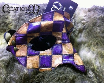 Purple textured squared half-mask