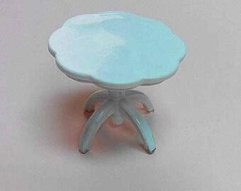 Miniature Flower Table 1:20 T003