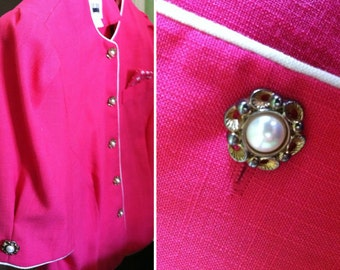 pink blouse - short sleeve blazer style top - floral pocket square - gold and pearl buttons - flattering scalloped hi lo hem - LESLIE FAY