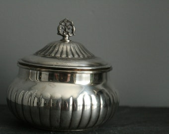 Vintage SHERIDAN TAUNTON Silver Plated Candy/Nut Bowl with Lid